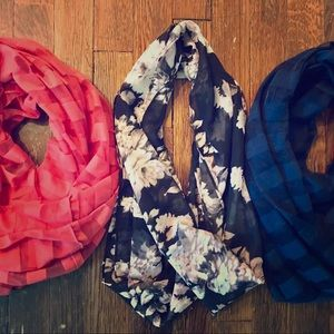 Three infinity scarves 🧣